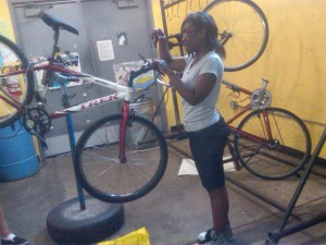 Students build bikes in new program